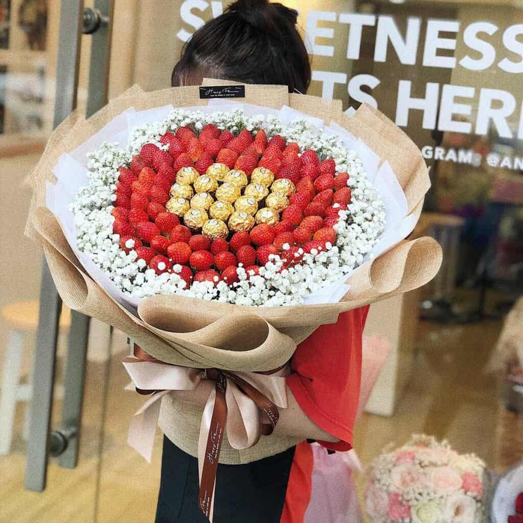 hoa-dâu-tây-hoa-ăn-đươc-hoa-sinh-nhật