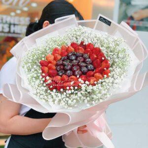bó-hoa-cherry-dâu-tây-hoa-ăn-được