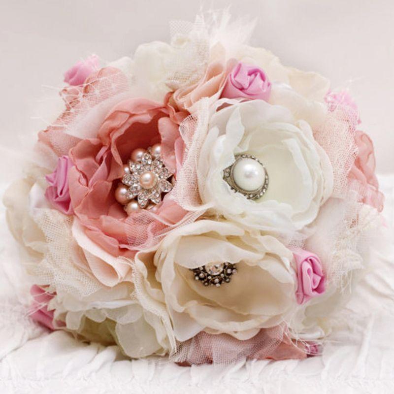 bó hoa cưới tự làm bằng vải voan