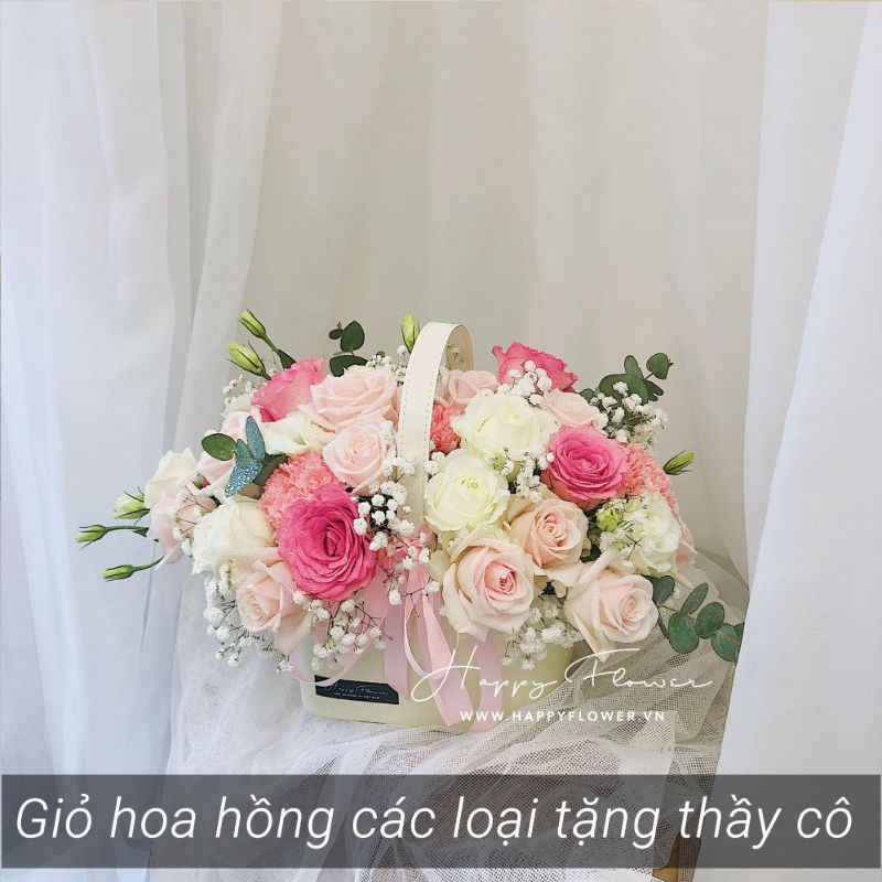 giỏ hoa hồng mix hoa trắng