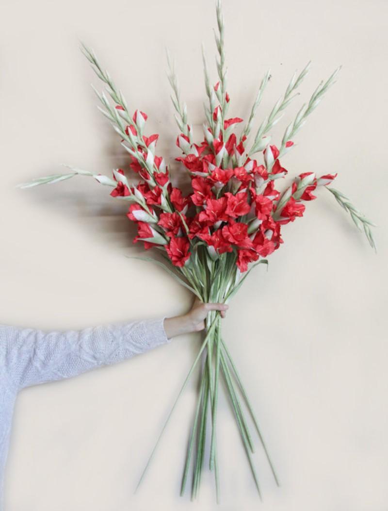 bó hoa lay ơn màu đỏ
