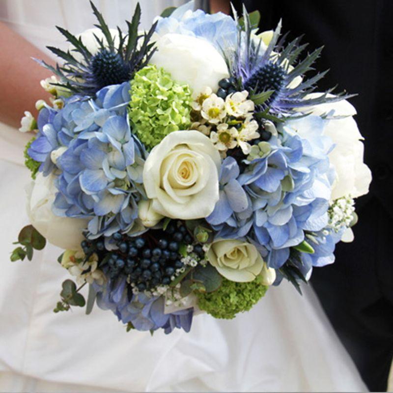 bó hoa cưới cẩm tú cầu xanh