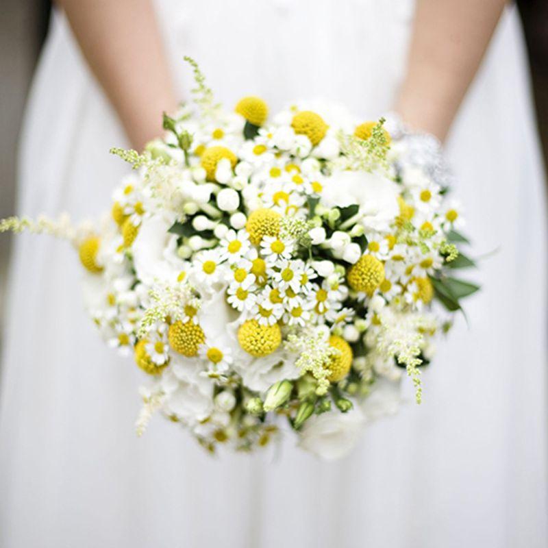 bó hoa cưới cúc họa mi mix cẩm tú cầu