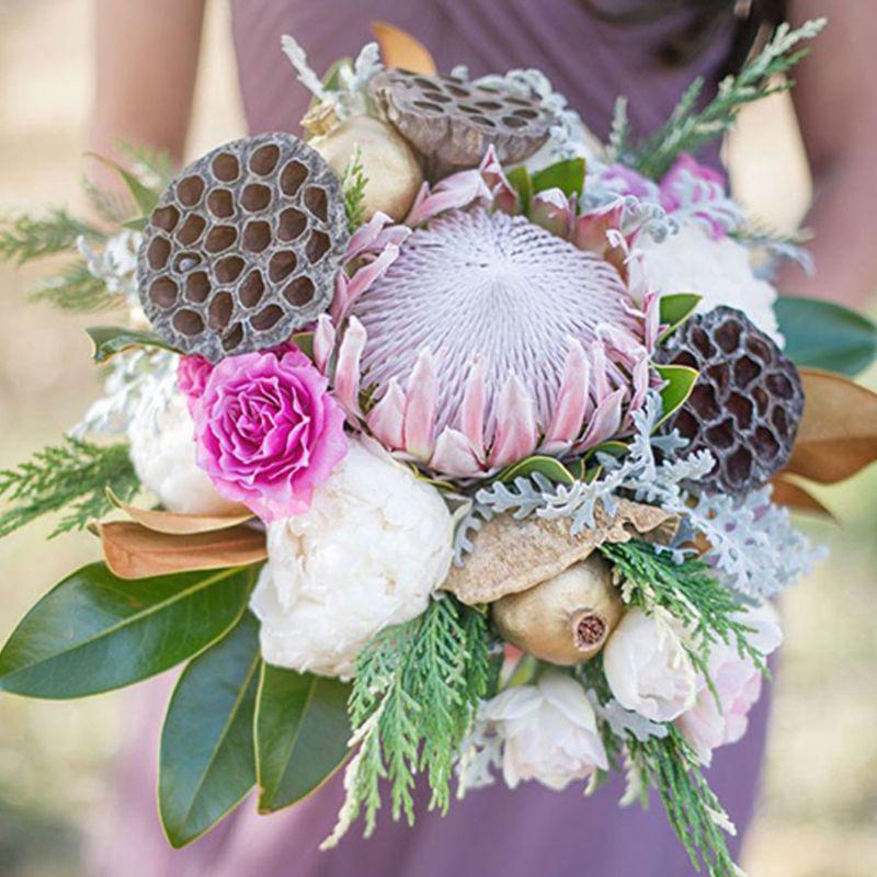 hoa cưới từ hoa sen độc đáo