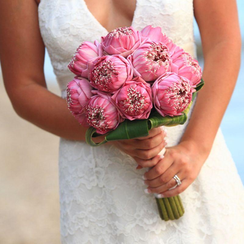 bó hoa cưới hoa sen hồng