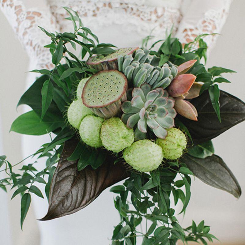 hoa cưới cầm tay mix sen đá