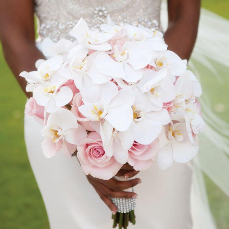hoa cưới cầm tay lan hồ điệp hồng phấn