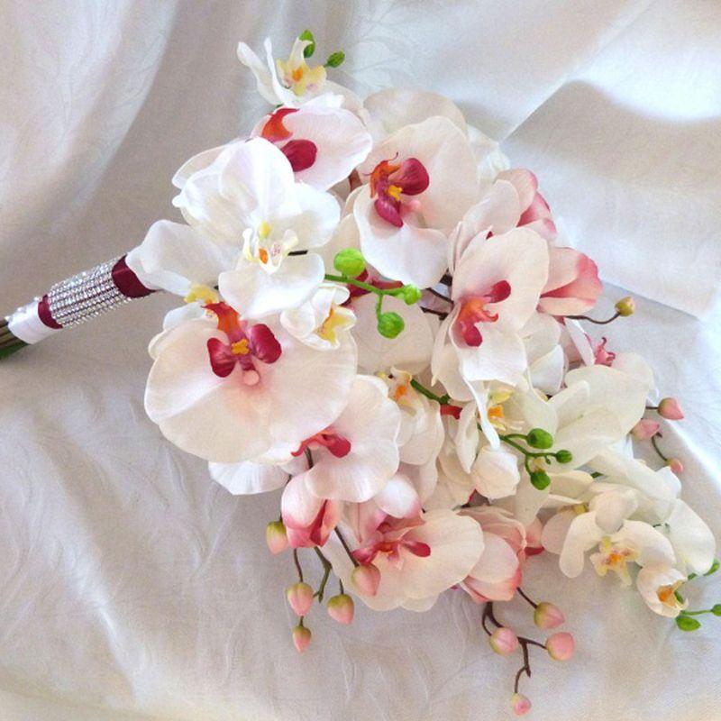 bó hoa lan hồ điệp dạng thác đổ