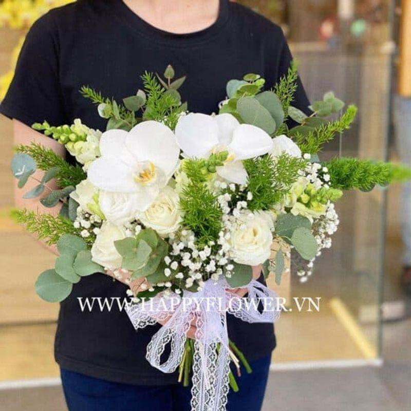 hoa cưới lan hồ điệp mix hoa hồng trắng