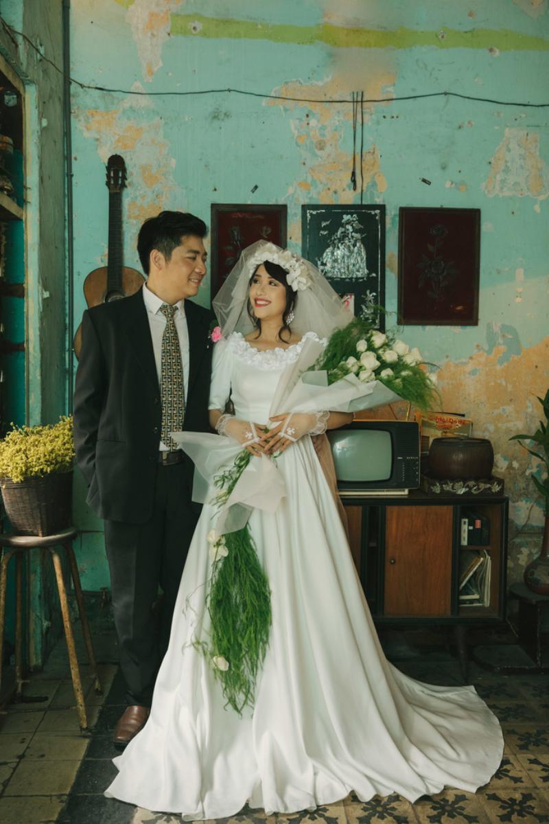 Bó hoa cưới cầm tay dáng dài