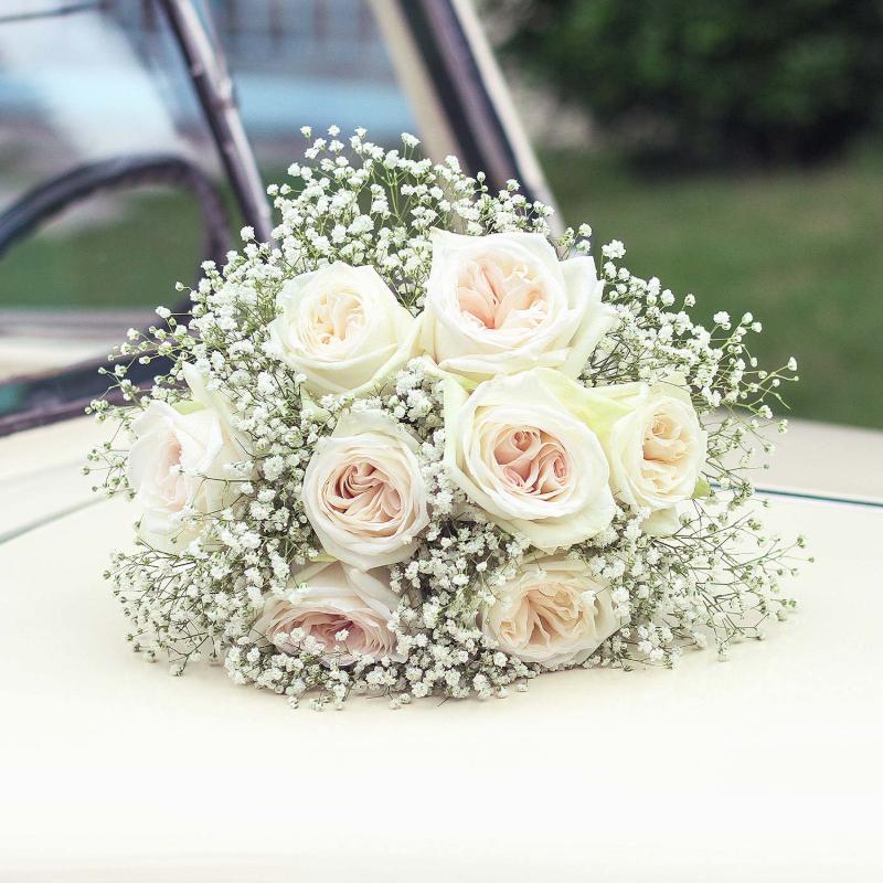bó hoa cưới hồng trắng Ecuador White O'hara mix hoa baby trắng