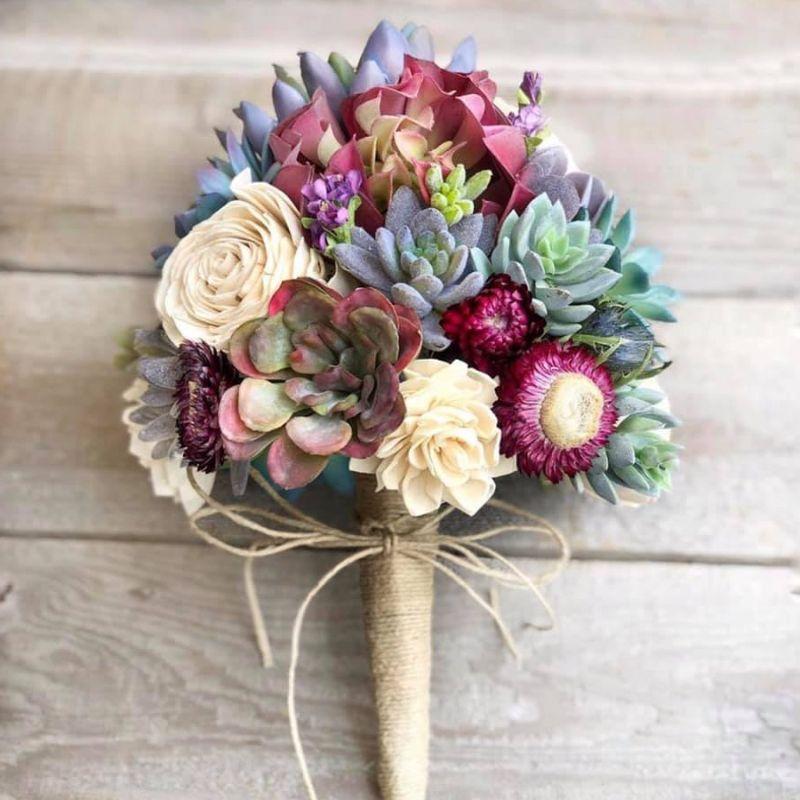 bó hoa cưới sen đá mix hoa hồng