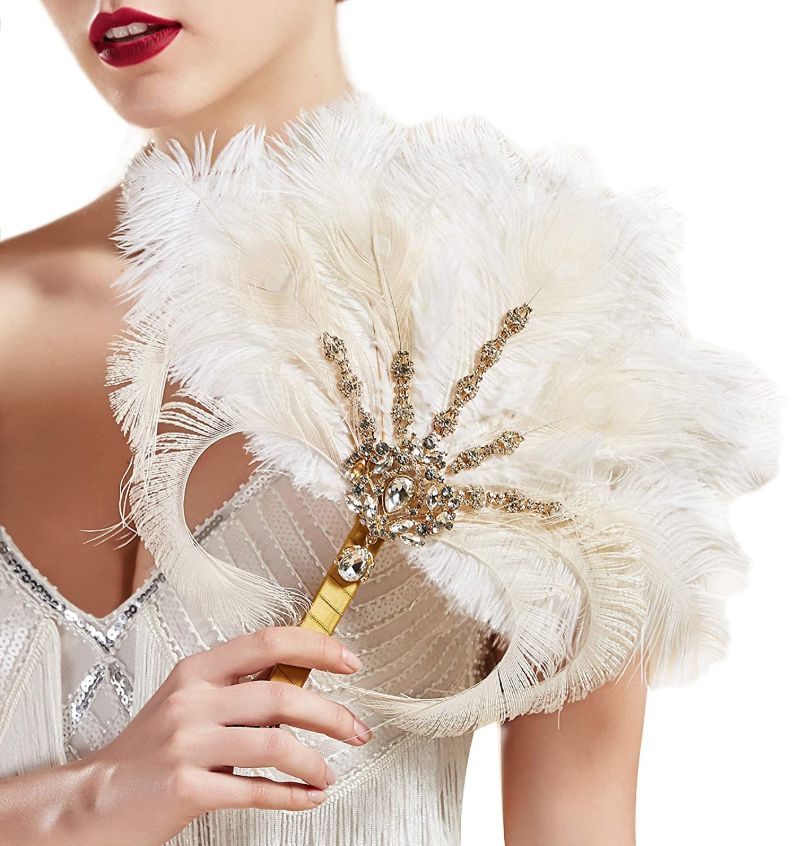 Bó hoa cưới hình quạt làm từ lông vũ đính đá và hạt cườm