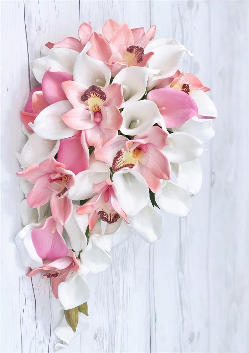 Chụp mẫu bó hoa cưới dáng thác đổ