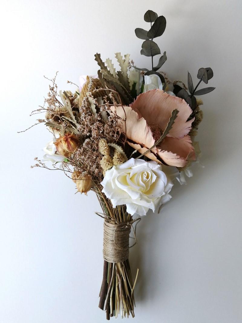 bó hoa cưới vintage đơn giản