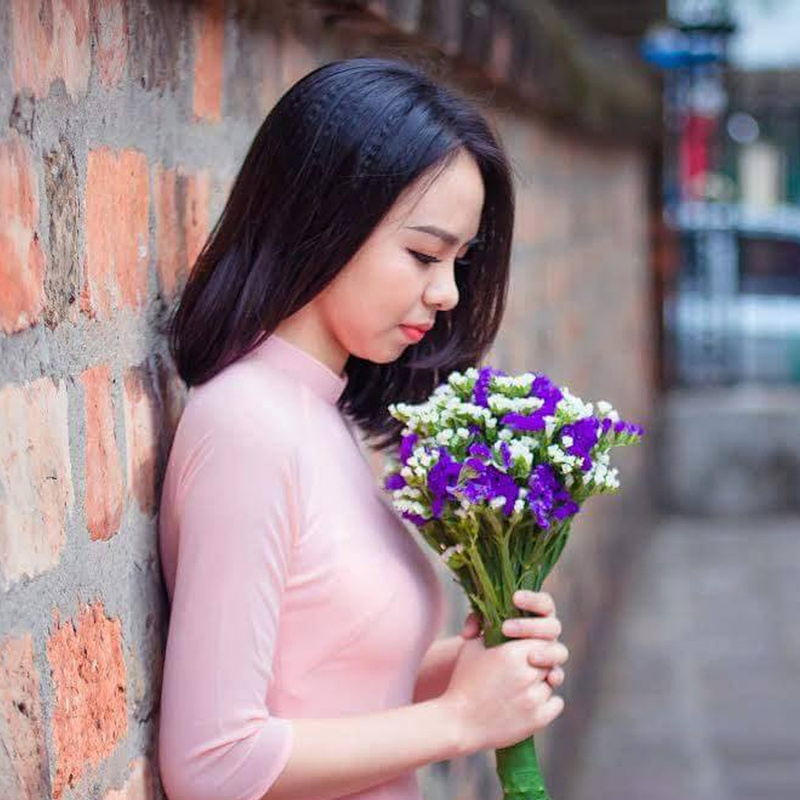 Bó hoa cầm tay salem tím