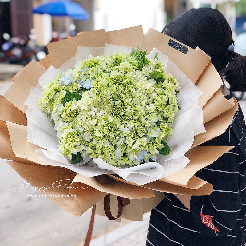 bó hoa chúc mừng cầm tú cầu xanh lá size lớn