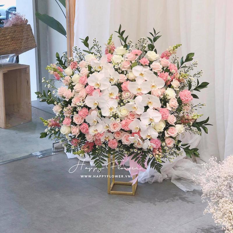 lẵng hoa hồng mix lan hồ điệp trắng