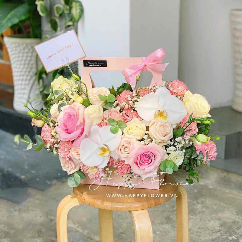 giỏ hoa mừng hoa hồng mix lan hồ điệp