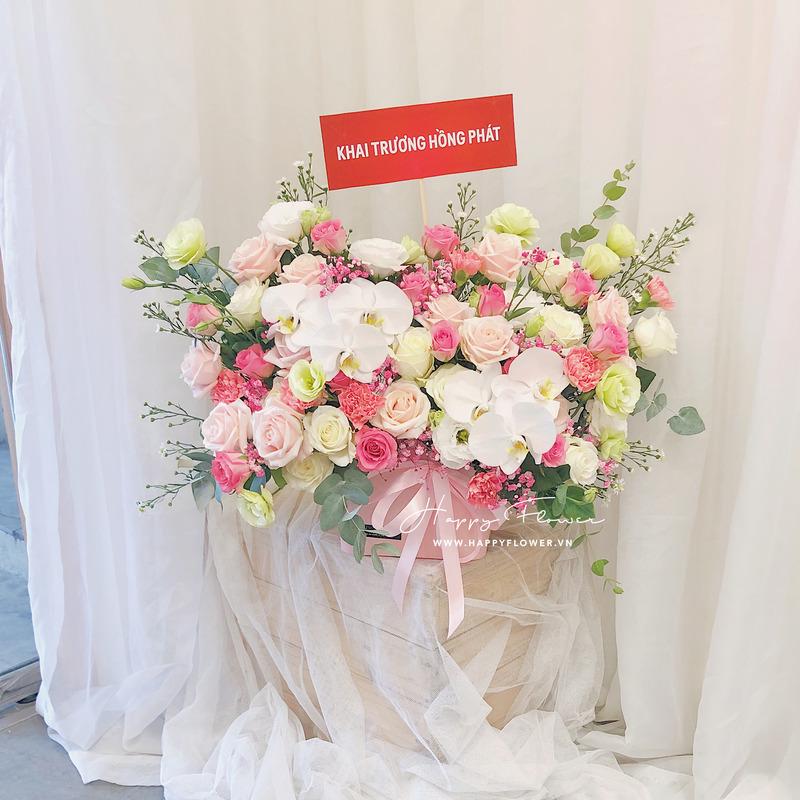 hộp hoa chúc mừng hoa hồng màu pastel mix lan hồ điệp trắng