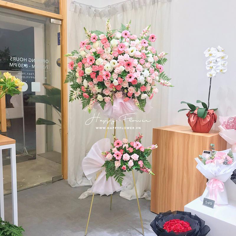 lẵng hoa hồng mix hoa hồng trắng và hoa đồng tiền 2 tầng