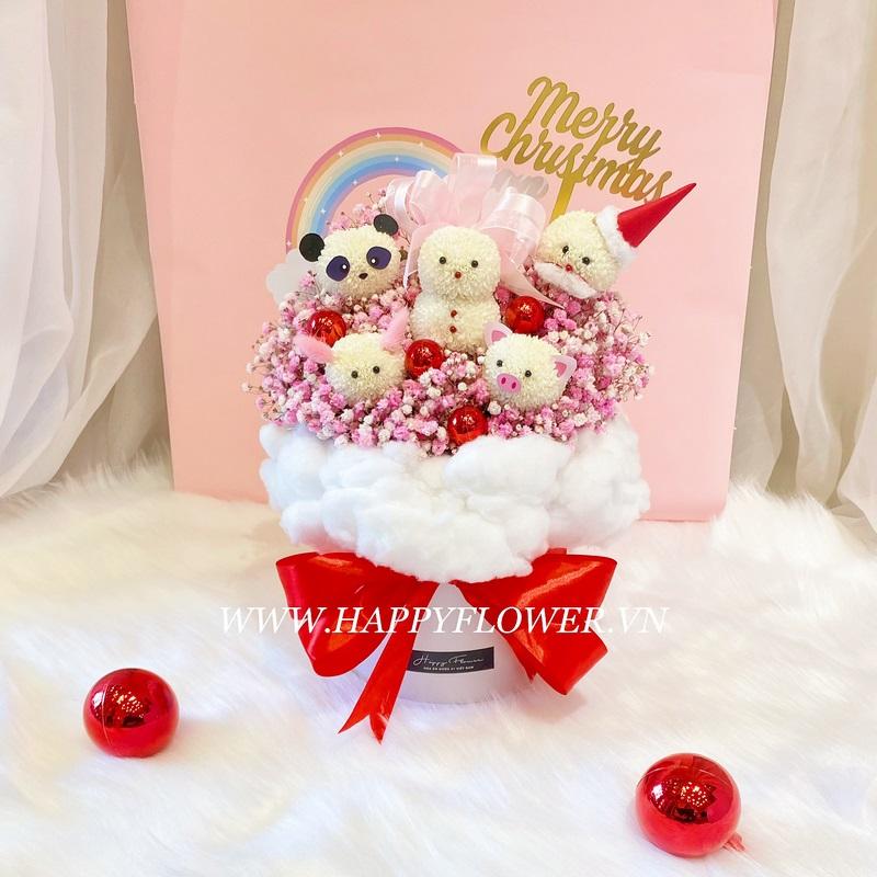 giỏ hoa kẹo gấu trức và heo mix hoa baby tím