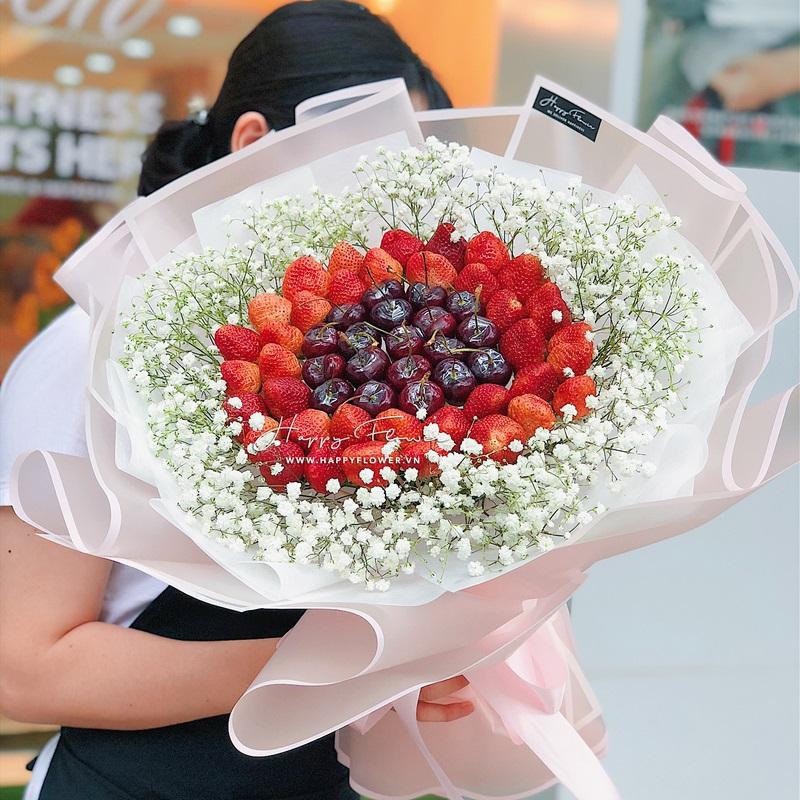bó hoa cherry dâu ngọt mix hoa baby trắng