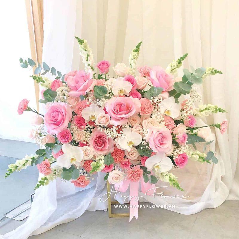 Lẵng hoa hồng màu hồng nhạt