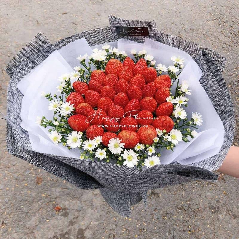bó hoa ăn được dâu tây