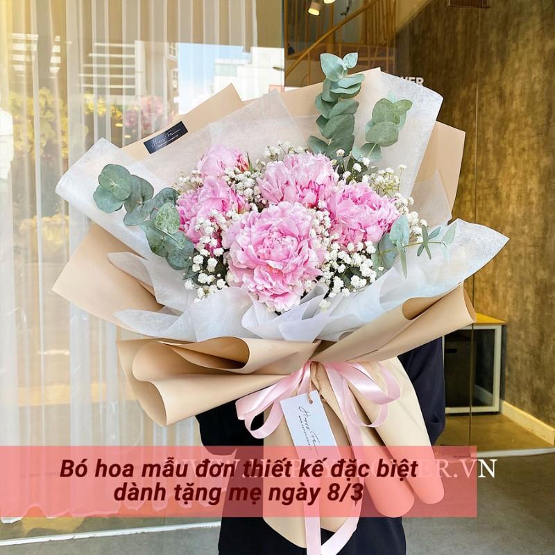 bó hoa mẫu đơn hồng mix hoa baby