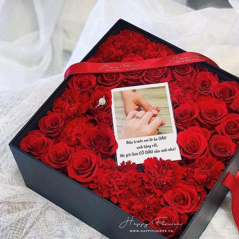 Hộp hoa hồng đỏ tặng chồng