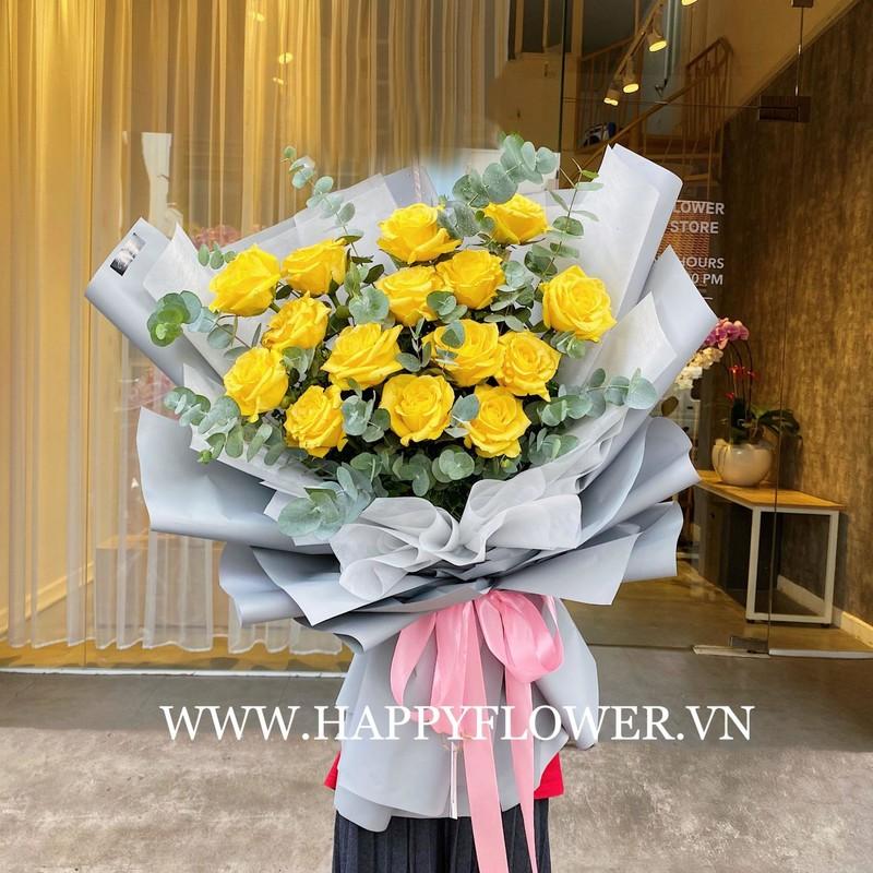bó hoa hồng vàng nhập khẩu mix cùng lá bạc