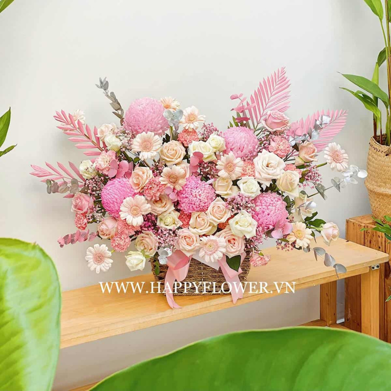 giỏ hoa mẫu đơn mix hoa hồng và hoa cúc chúc mừng sinh nhật mẹ