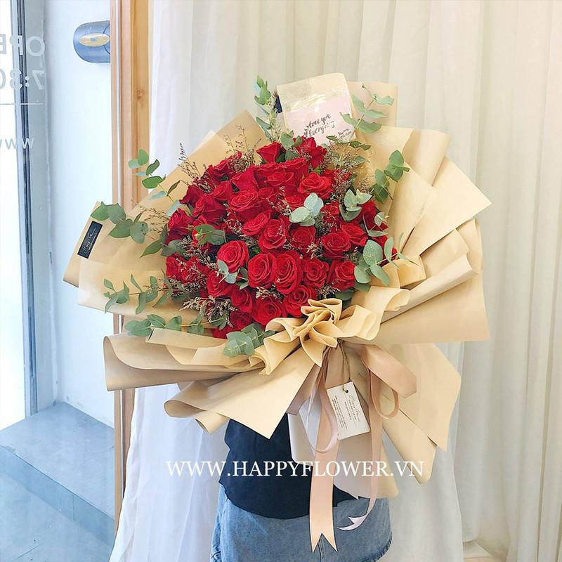 bó hoa hồng đỏ rực rỡ chúc mừng sinh nhật mẹ