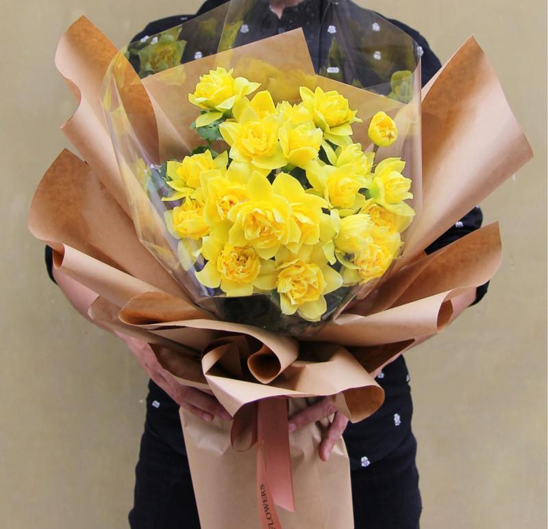 bó hoa thủy tiên vàng chúc mừng sinh nhật người yêu