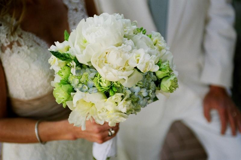 bó hoa cát tường hối hoa cẩm tú cầu xanh trắng