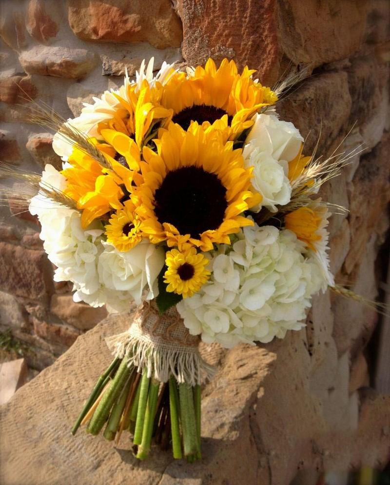 bó hoa cát tường và hoa hướng dương