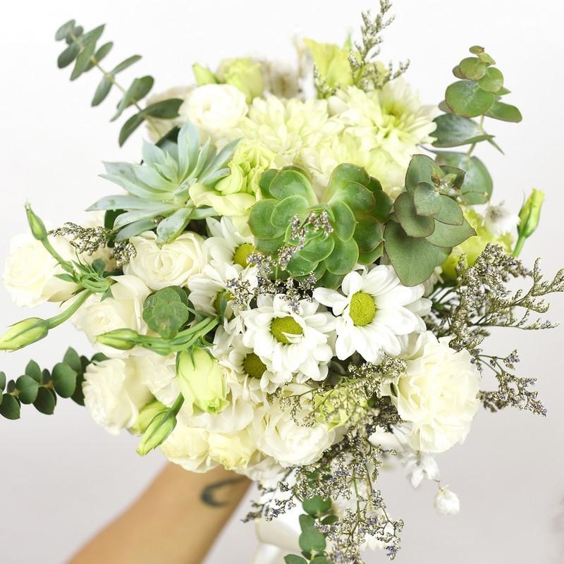 bó hoa cát tường và hoa sen đá
