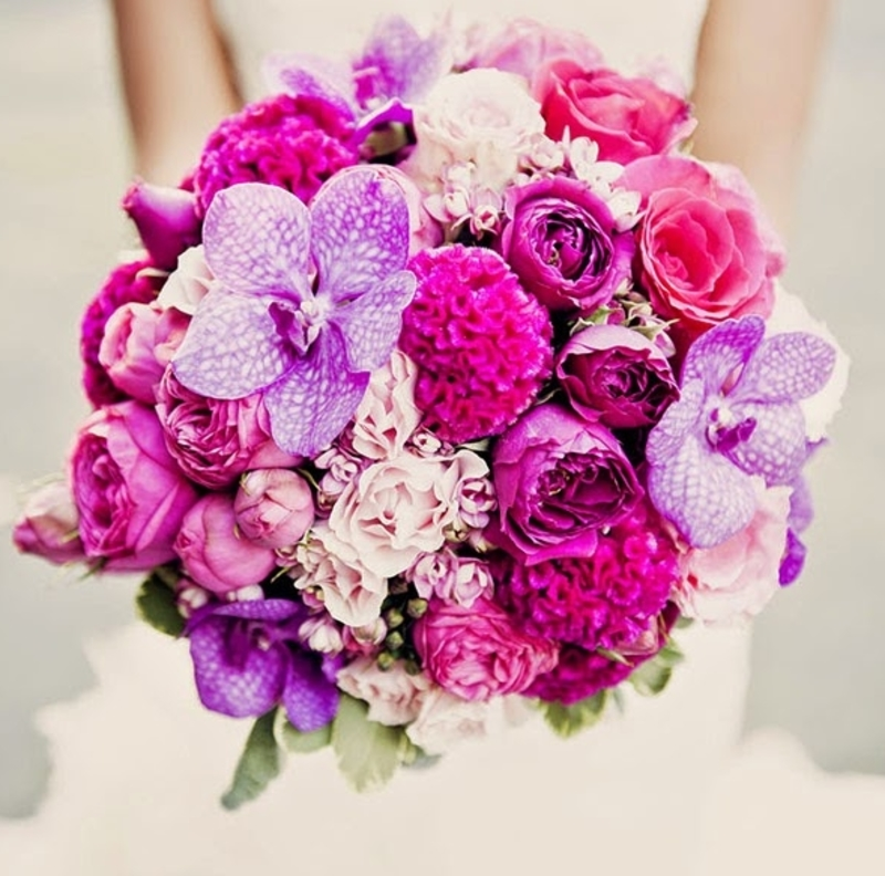 bó hoa cầm tay lan tím