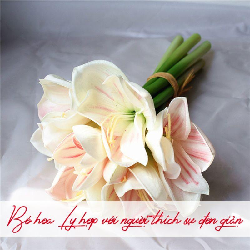 bó hoa ly màu trắng đơn giản