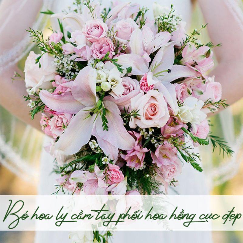 bó hoa ly cầm tay phối hoa hồng đẹp