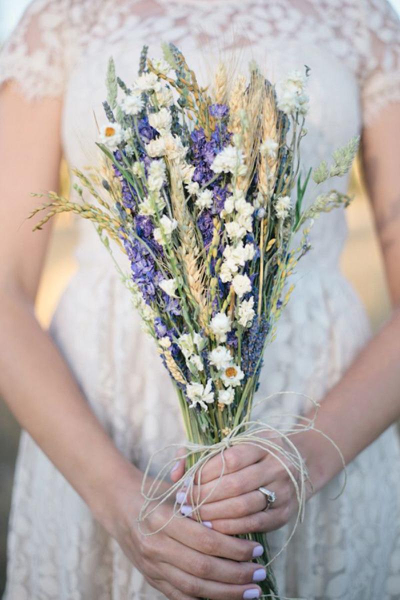 bó hoa lavender tím
