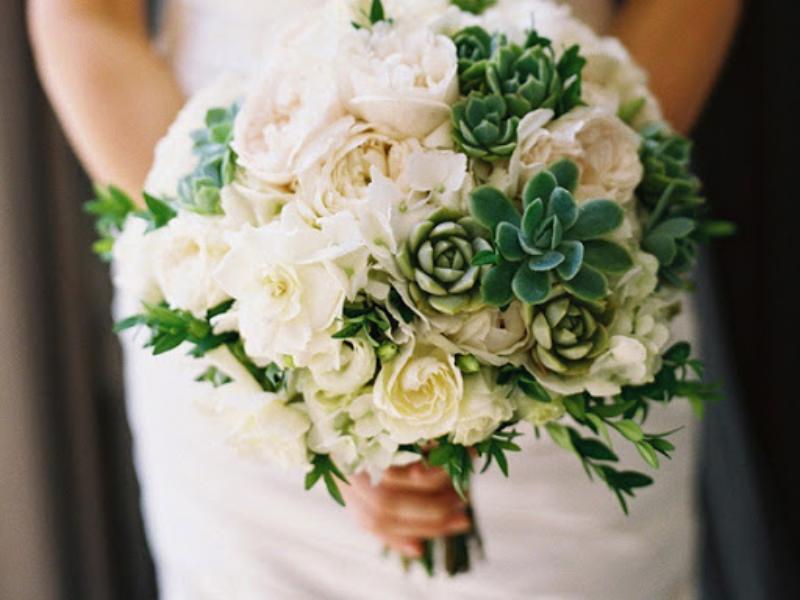 bó hoa cưới sen đá mix hồng trắng