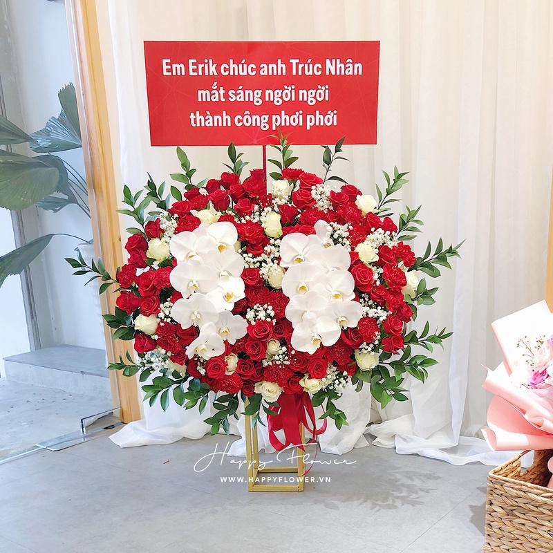lẵng hoa hồng đỏ mix lan hồ điệp trắng