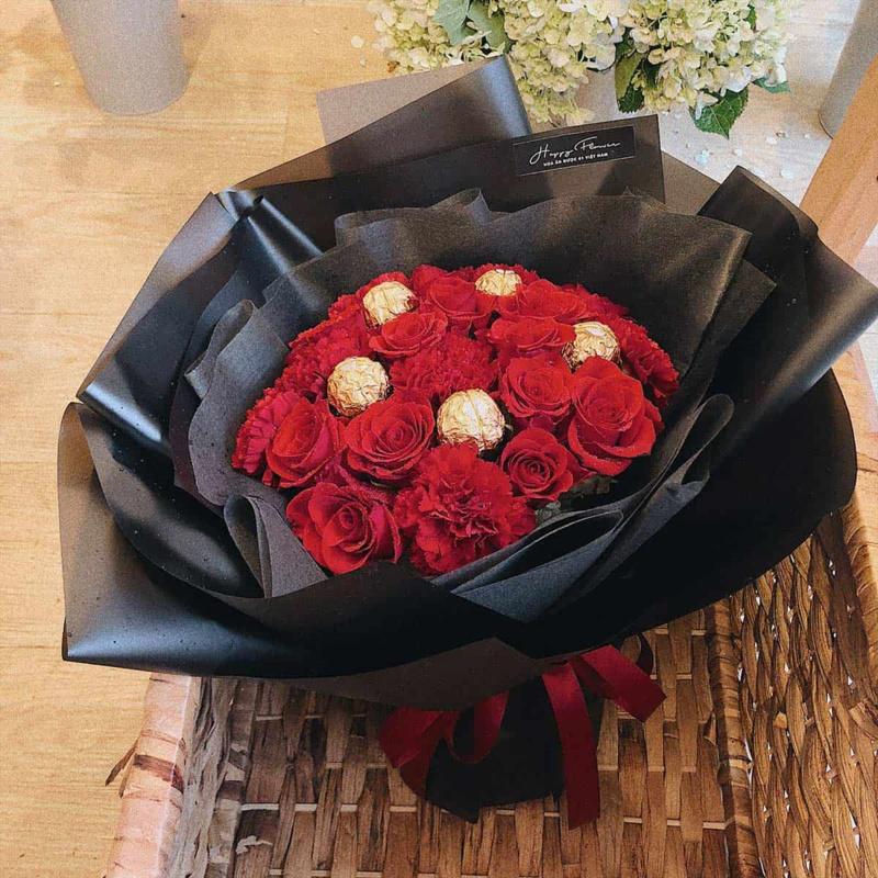 bó hoa hồng đỏ Đà Lạt mix 5 viên chocolate Ferrero Rocher