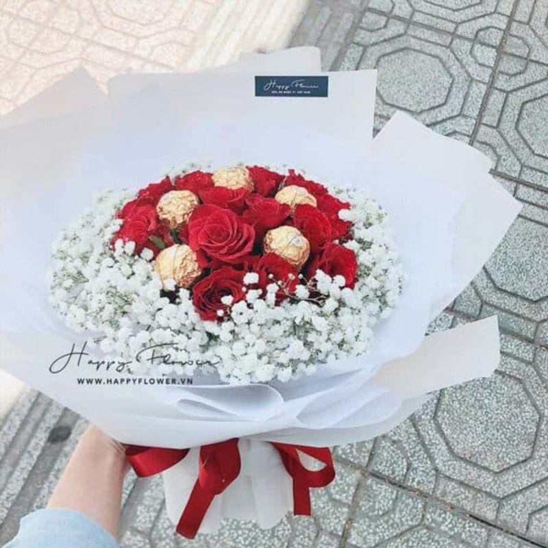 bó hoa hồng đỏ tặng mẹ