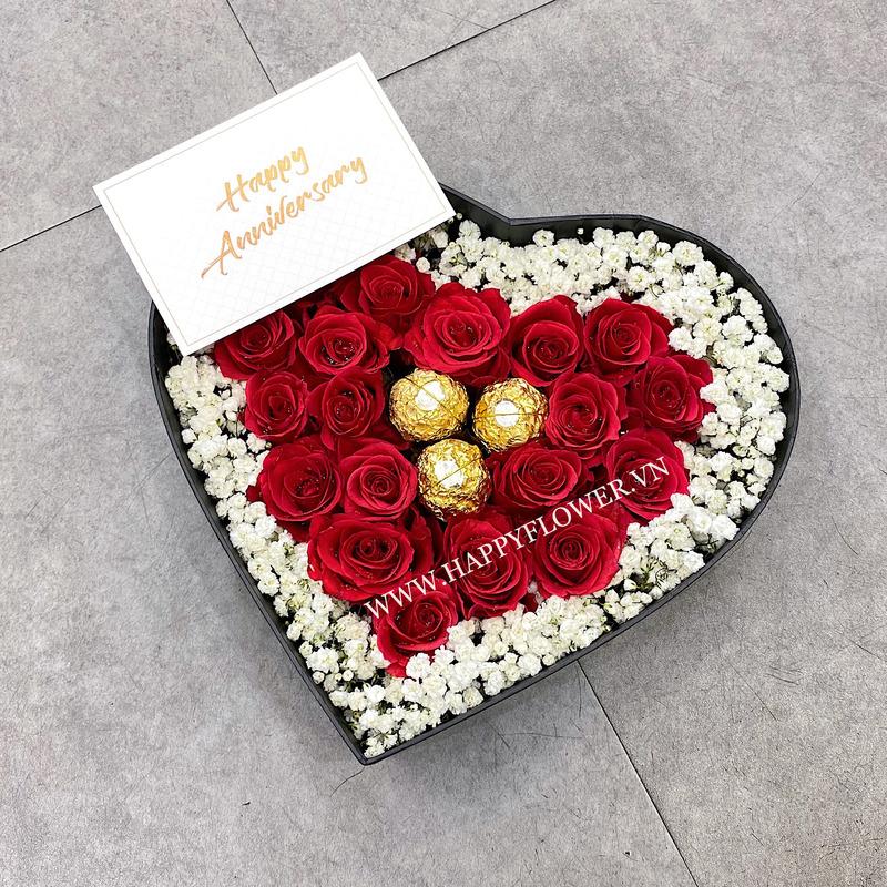 hộp hoa hồng đỏ hình trái tim mix hoa baby trắng và chocoate