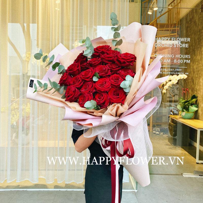 Bó hoa hồng đỏ Ecuador 20 bông giấy hồng ruốc giá bao nhiêu