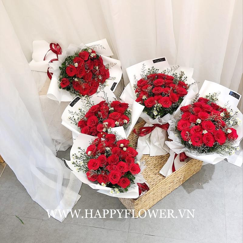 Những bó hoa hồng đỏ rực rỡ tại Happy Flower giá bao nhiêu
