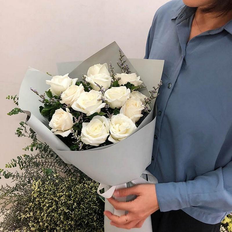 bó hoa hồng Ecuador màu trắng đẹp tặng mẹ